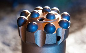 Top center drill bit